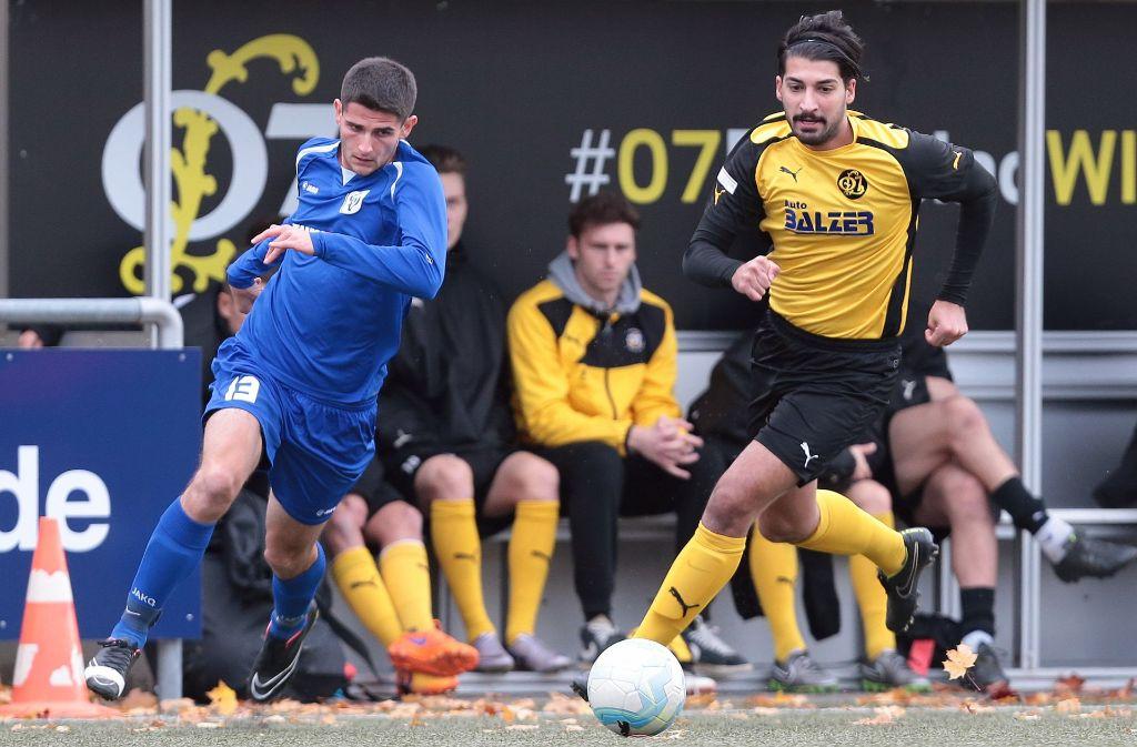 Im Oktober 2016 gibt Onur-Mert Yilmaz (rechts) noch Gas für den SpVgg 07 Ludwigsburg. Inzwischen spielt er für Türkspor Stuttgart. Wie er haben inzwischen viele Spieler aus der ersten Mannschaft den Verein verlassen. Foto: Pressefoto Baumann