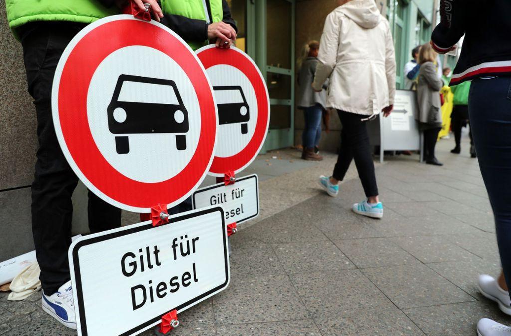 Nicht alle wollen sich mit den Fahrverboten anfreunden. Foto: dpa