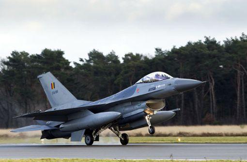 Belgisches Kampfflugzeug stürzt in der Bretagne ab