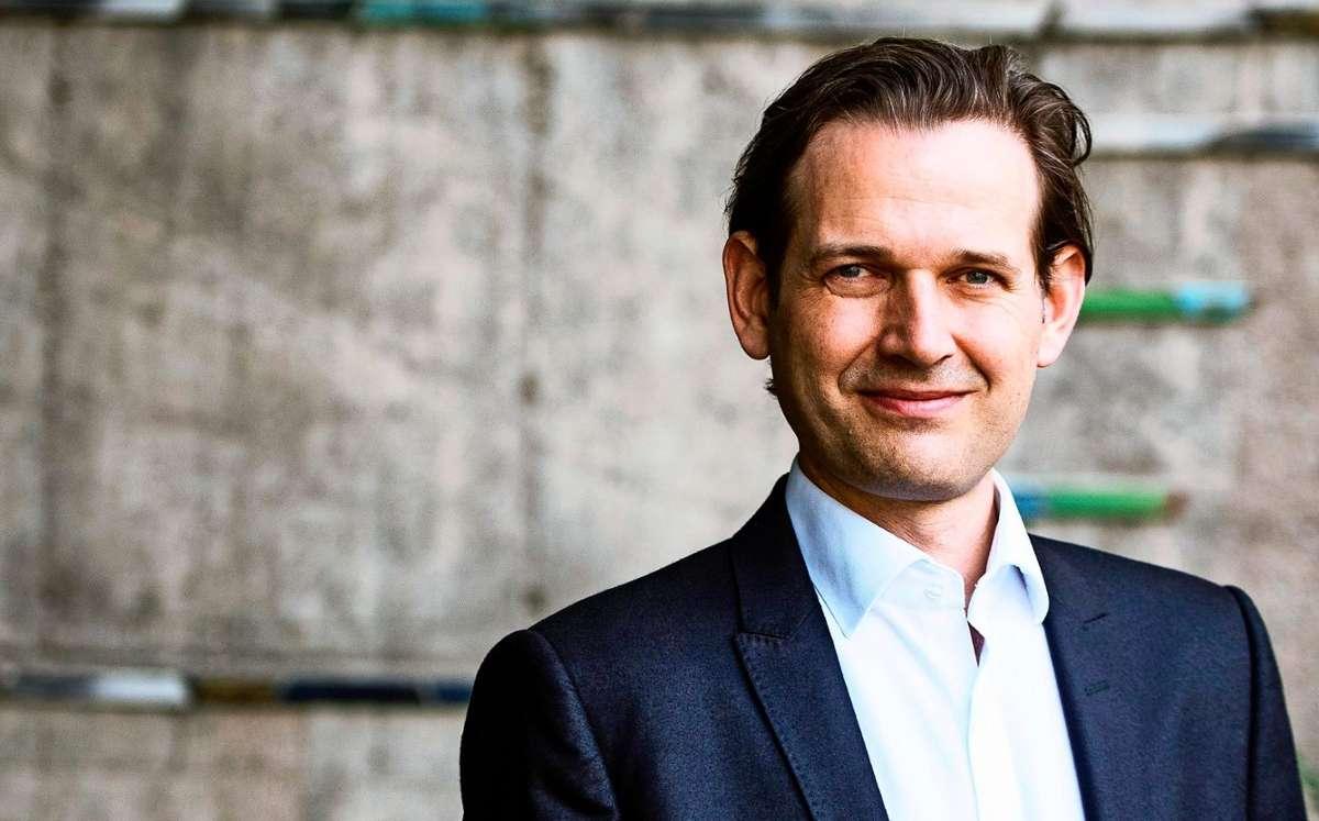 Markus Korselt ist Intendant und Künstlerischer Leiter des Stuttgarter Kammerorchesters, das dieses Jahr 75-jähriges Jubiläum feiert. Foto: Wolfgang Schmidt