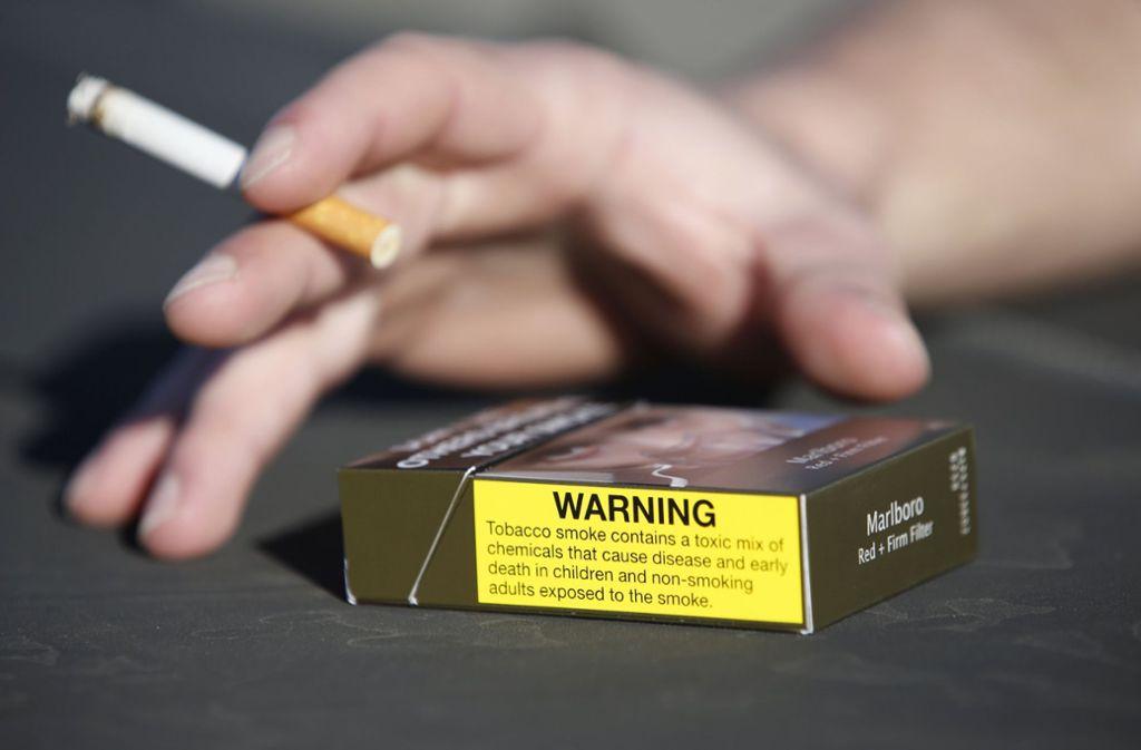 16,80 Euro kostet eine Packung mit 20 Zigaretten umgerechnet in Australien. Foto: AAP