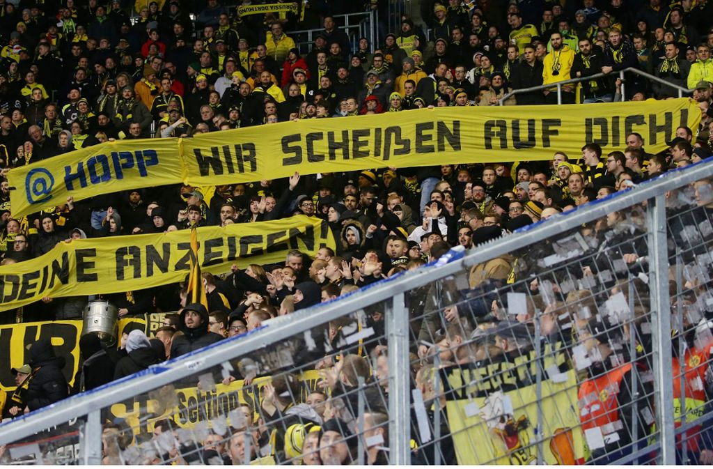 Die Fans von Borussia Dortmund waren wiederholt ausfällig geworden gegenüber Dietmar Hopp. Das hat nun Konsequenzen. Foto: Pressefoto Baumann/Hansjürgen Britsch