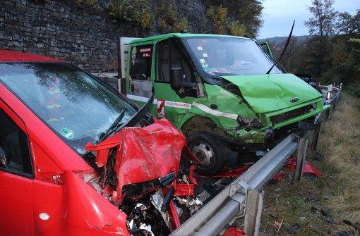Unfall mit vier Autos fordert vier Verletzte