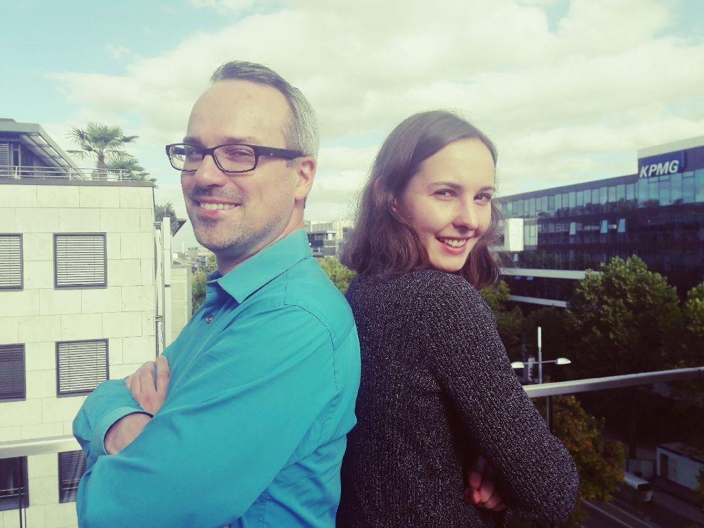 Henning Schürig gehört zur Generation Y, Ronja Essig zur Generation Z. Was unterscheidet die beiden Stuttgarter? Foto: Lea Weinmann
