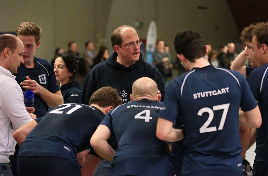 HTC-Trainer Thorben Wegener gibt  Anweisungen – und alle hören zu. Foto: Baumann