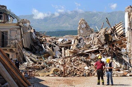 Das Erdbeben vom 6. April 2009 hat in L'Aquila und Umgebung mehr als 300 Menschen das Leben gekostet. Foto: dpa