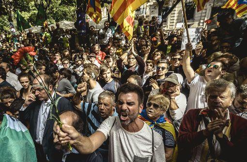 Spanische Polizei nimmt zwölf Personen fest