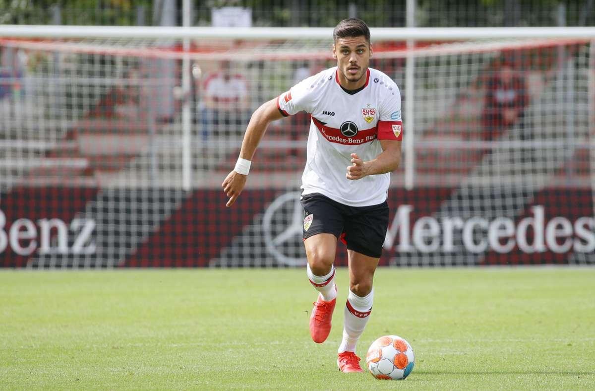 Der VfB Stuttgart stellte seine neuen Trikots schon bei drei Testspielen zur Schau. Foto: Pressefoto Baumann/Hansjürgen Britsch