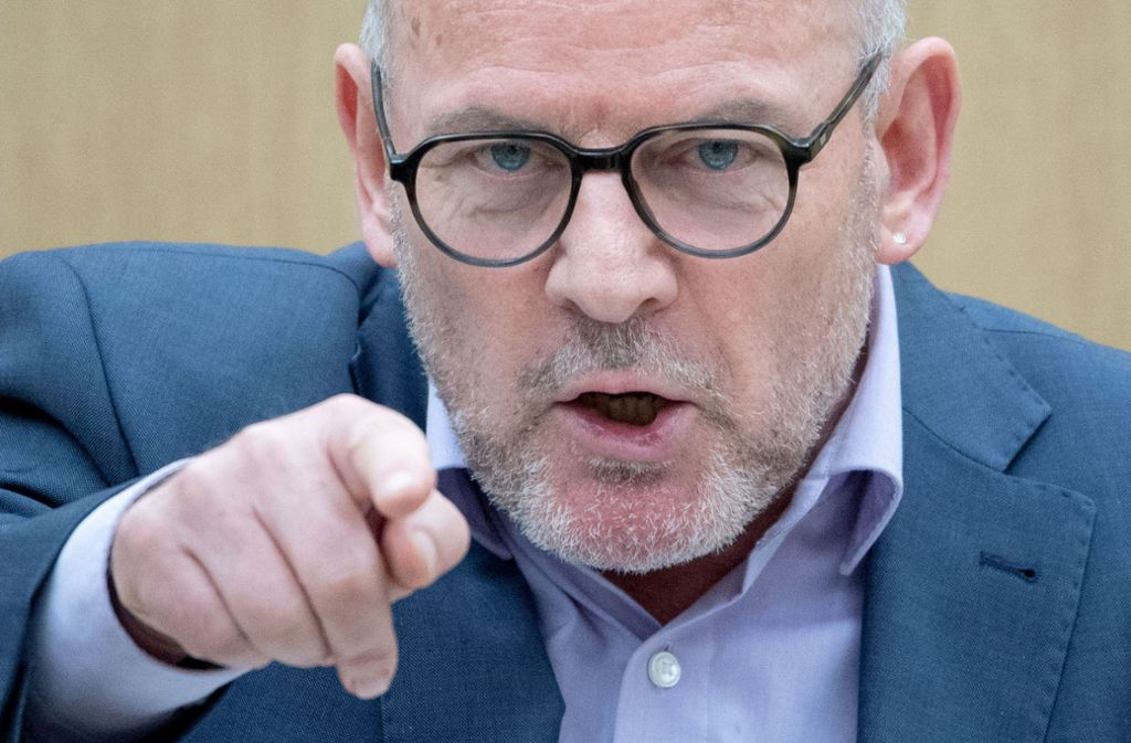 Will wie sein Kabinettskollege Thomas Strobl mehr Messstellen: Verkehrsminister Winfried Hermann von den  Grünen. Foto: dpa