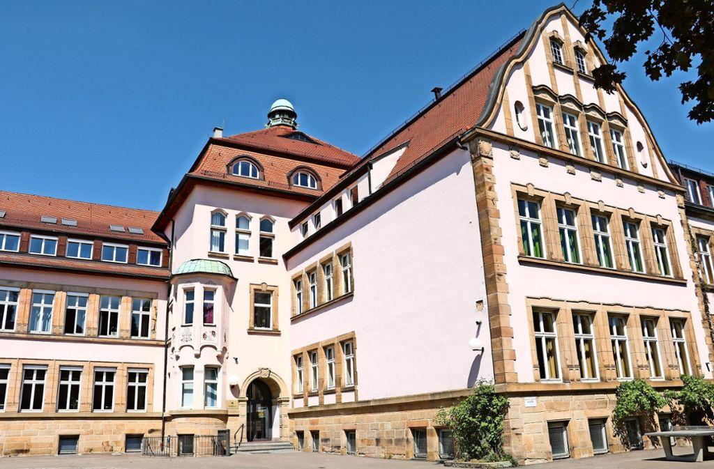 In der Rosenschule  muss für sechs Millionen Euro das Tragwerk der Decken ertüchtigt werden. Diesen Sommer war der dritte von fünf Abschnitten an der Reihe. Foto: Julia Habenicht