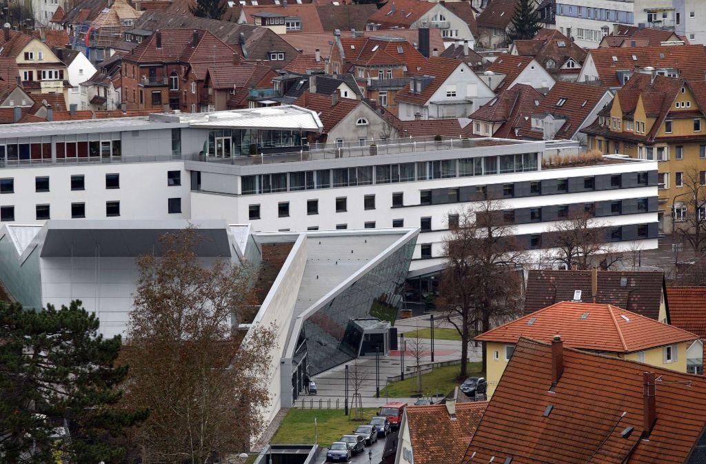 Eng an das  Neckarforum angebaut, ist das Best  Western Hotel Foto: Rudel/Archiv