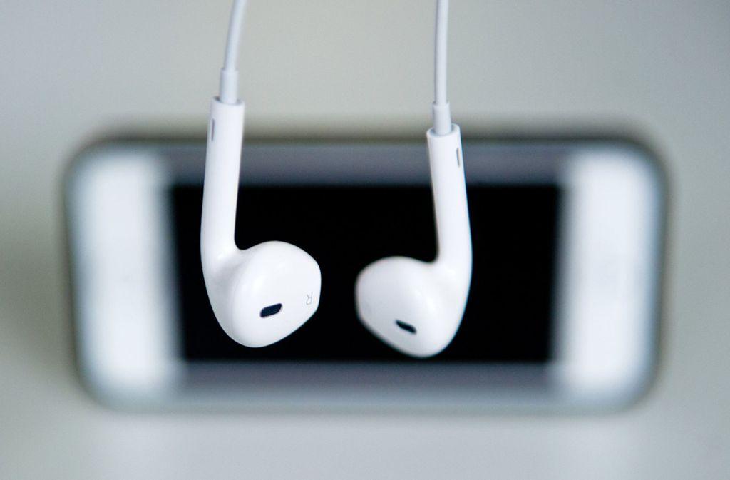Musik aufs Handy – das macht man jetzt per Stream. Foto: dpa