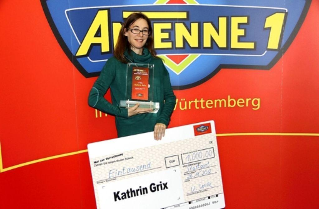 Kathrin Grix mit ihrem Preis. Foto: privat