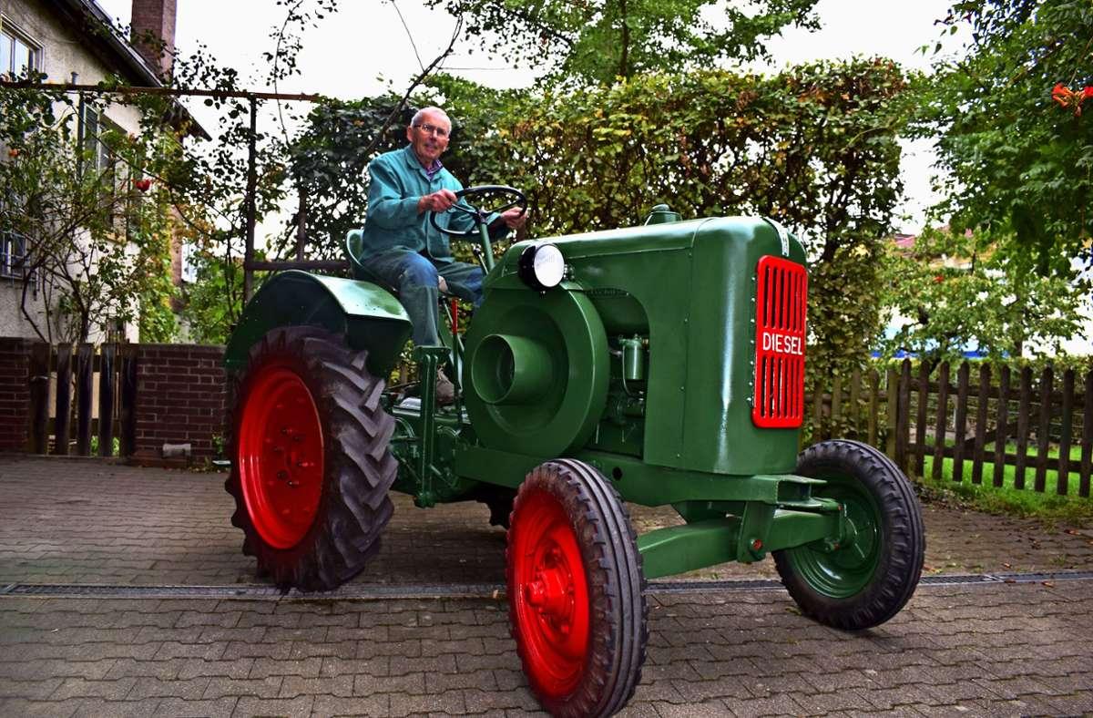 Fritz Buchinger auf seinem restaurierten Traktor, Baujahr 1950 Foto: Patrick Steinle
