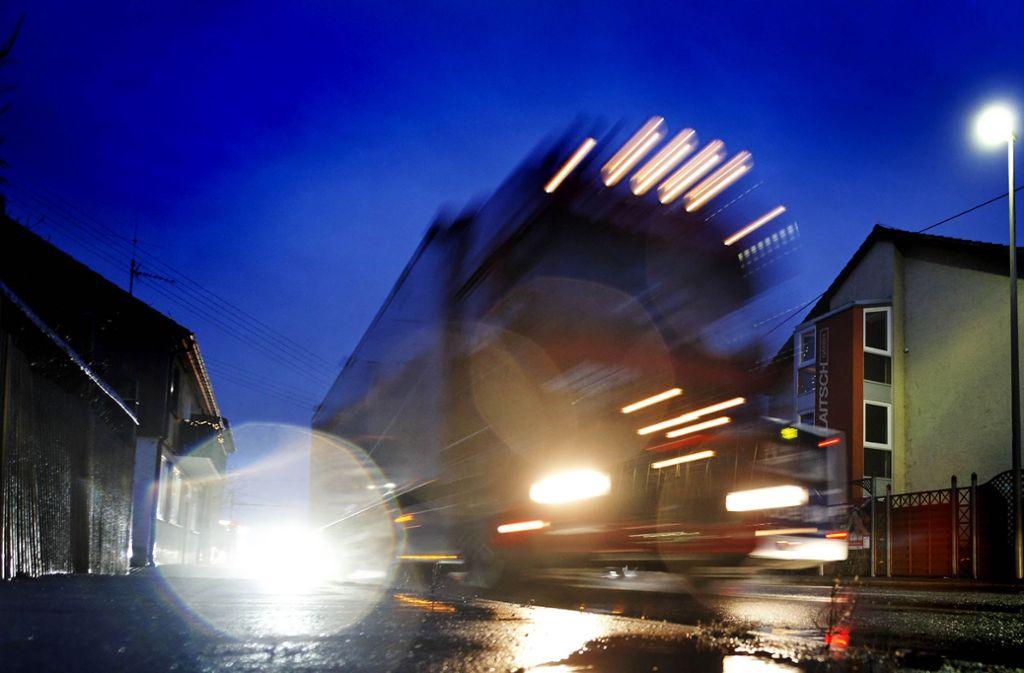 Die Holzheimer Ortsdurchfahrt soll nachts für Lastwagen gesperrt werden. Foto: Stoppel