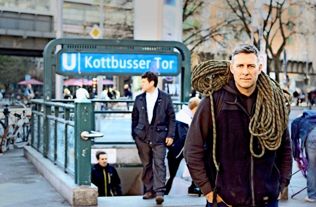 Sieht aus wie ein Schornsteinfeger, hat in Wahrheit aber den Deutsch-Rap revolutioniert: Marcus Staiger Foto: Ingmar Volkmann, Katja Kuhl