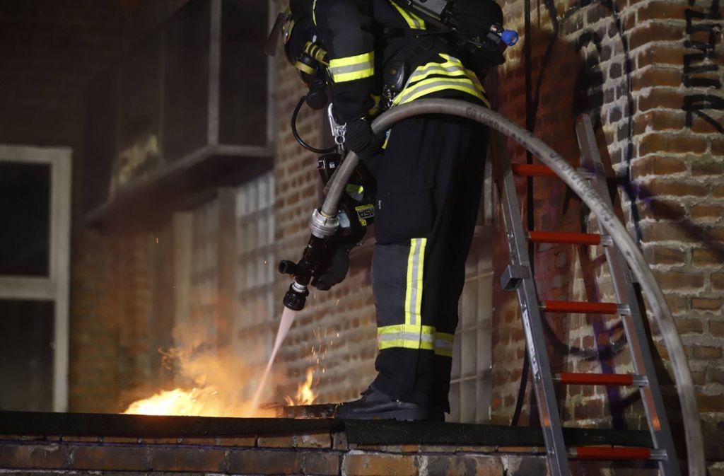 Die Feuerwehr hat in der Nacht auf Dienstag einen Brand in Feuerbach gelöscht. Foto: 7aktuell.de/Simon Adomat