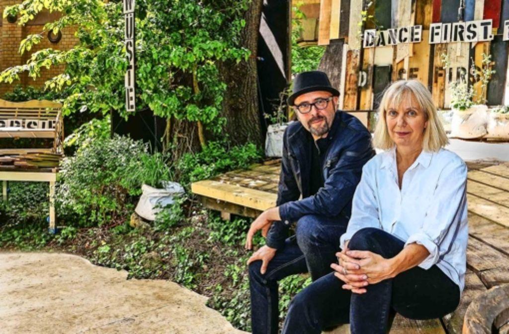 Sie warten nicht auf Godot:  Christiane Wolff und Peter Kratz. Foto: factum/Weise