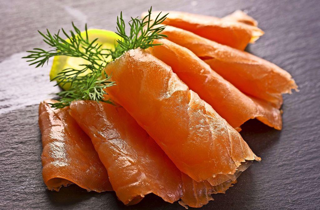 Pestizide in Zuchtfischen sind nicht selten: Sie gelangen über das Fischfutter in die Tiere. Foto: Fotolia/ ©  HLPhoto