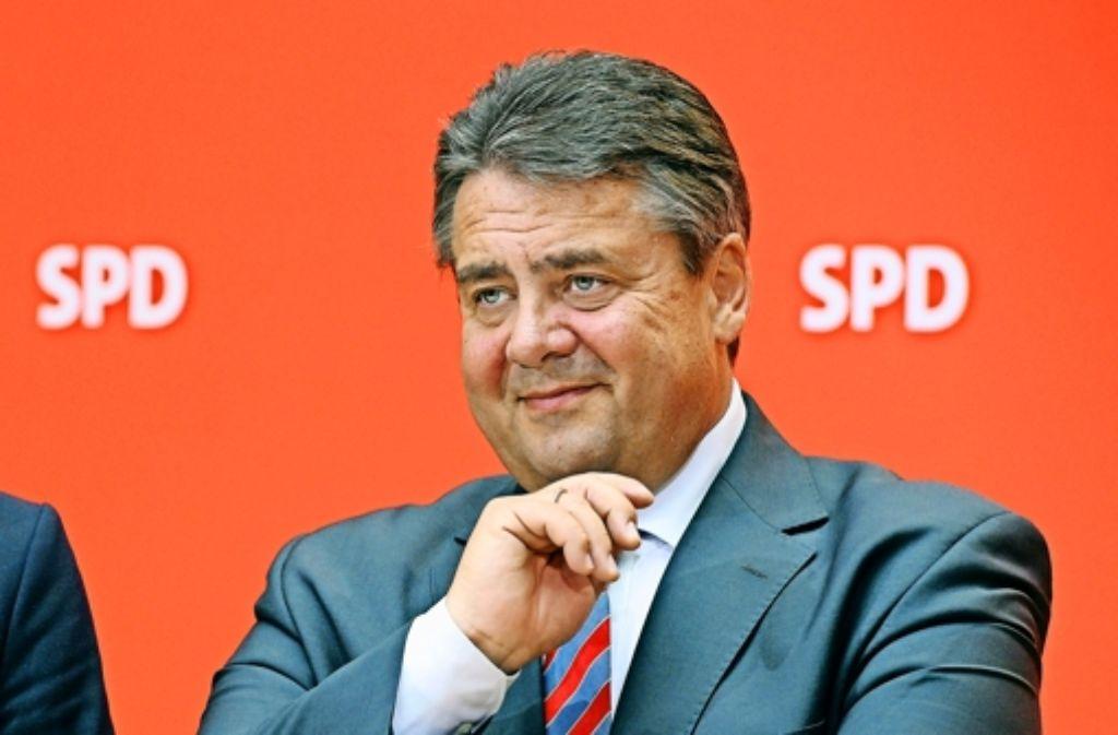Viele SPD-Mitglieder ertragen Parteichef Gabriel eher, als dass sie ihn unterstützen. Foto: dpa