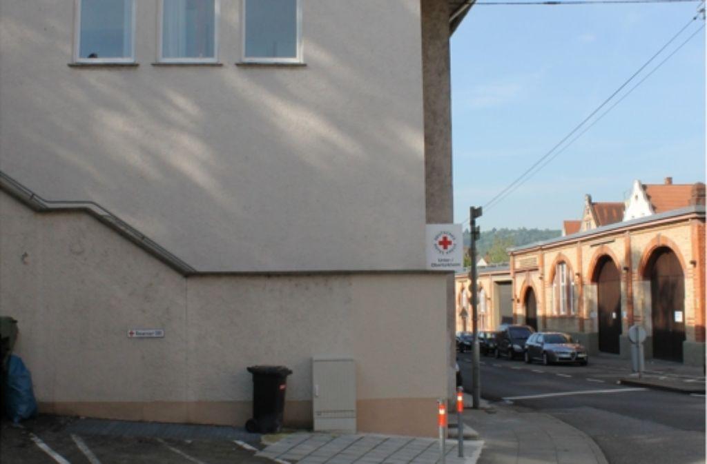Seit August 2012 wird das Gebäude an der Strümpfelbacher Straße als Flüchtlingsunterkunft genutzt. Foto: Maira Schmidt