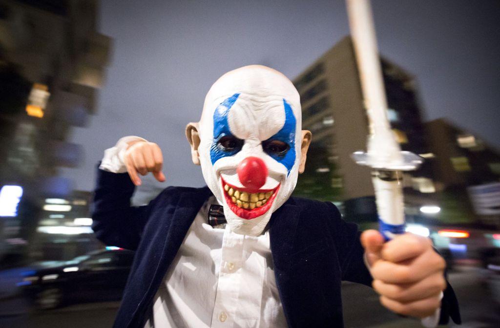 Beim Anblick mancher Masken kann man schon Angst bekommen – wie jüngst ein Vorfall bei Ulm gezeigt hat. (Symbolbild) Foto: dpa