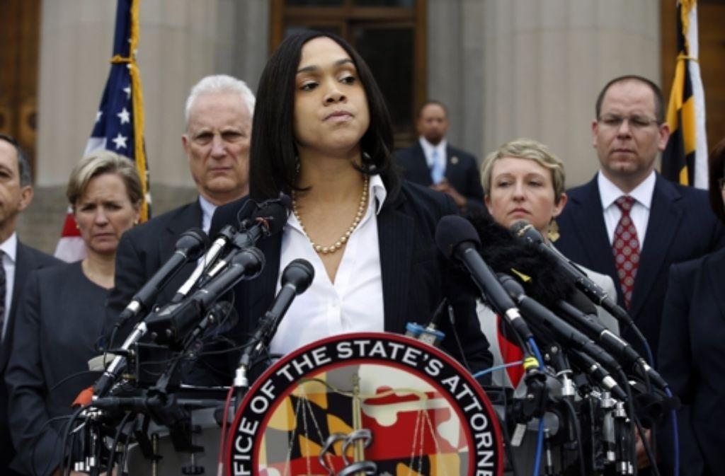 Die Staatsanwältin Marilyn Mosby kündigte in Baltimore an, dass sich sechs Polizisten wegen des Todes von Freddie Gray verantworten müssen. Foto: dpa