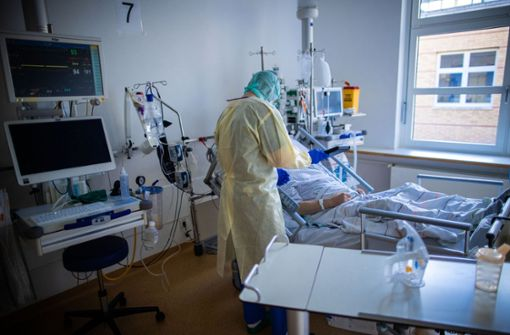 Covid-19-Patienten zur Entlastung nach Stuttgart gebracht