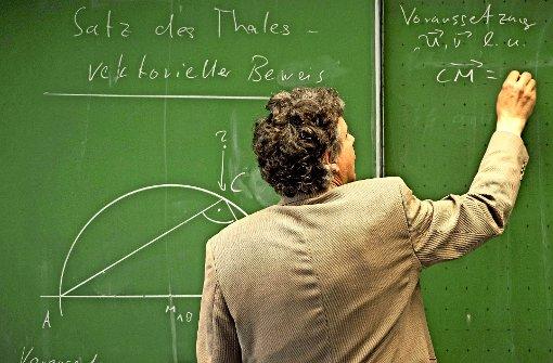 Mathematiklehrer fehlen, auch weil viele Lehramtsanwärter das Mathestudium abbrechen. Foto: dpa