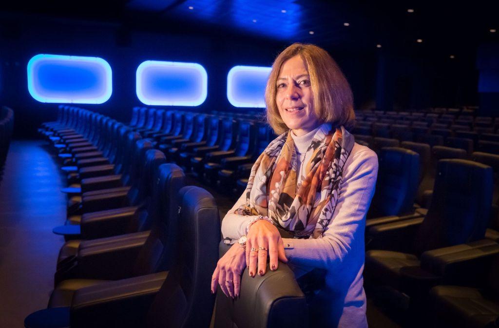 Karin Fritz im renovierten Gloria 1, dem größten Kinosaal der Stadt Foto: Lichtgut/Achim Zweygarth