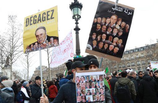 Algerier stemmen  sich gegen den ewigen Präsidenten