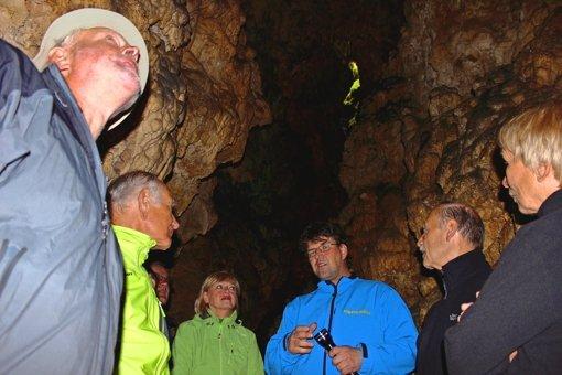 Von der Quelle in die Höhle und dann rauf auf die Alb