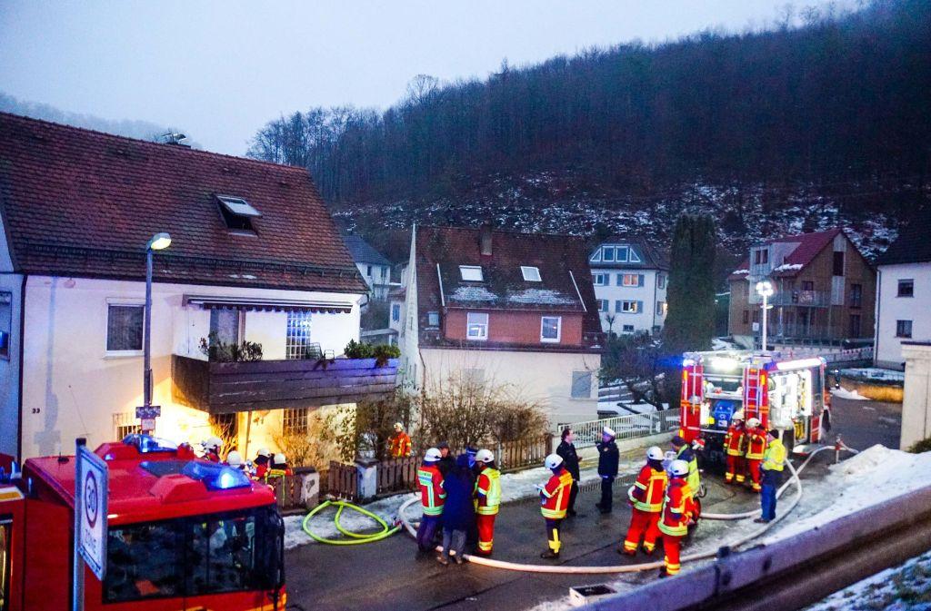 Die Feuerwehr konnte das Ehepaar nur tot bergen. Foto: SDMG