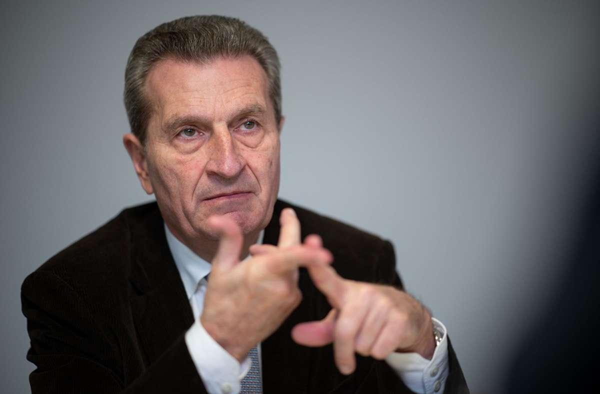 """""""Stand heute ist glaube ich Laschet der richtige Kanzlerkandidat"""", sagte Günther Oettinger am Montag. (Archivbild) Foto: dpa/Sebastian Gollnow"""