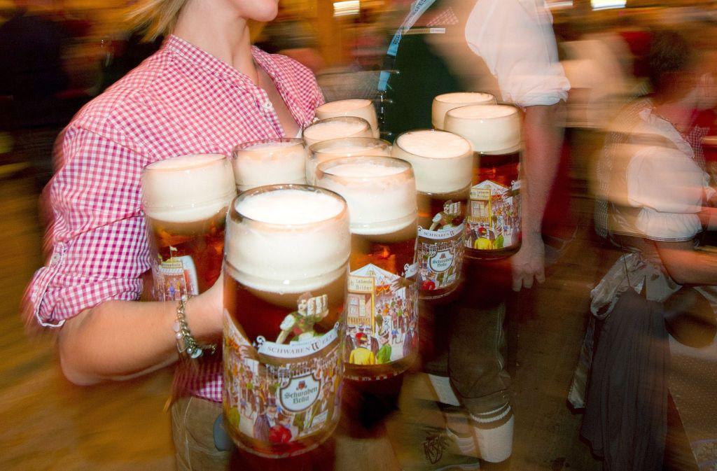 Ab Mitte April wird in Stuttgart wieder auf dem Cannstatter Wasen gefeiert. Foto: dpa