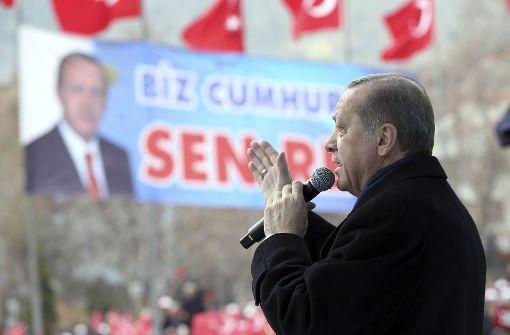 Wahllokale für Türken in Deutschland nur bei guter Führung