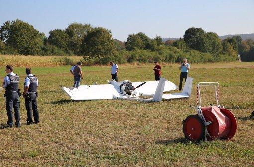 Pilot stürzt mit Flugzeug in den Tod