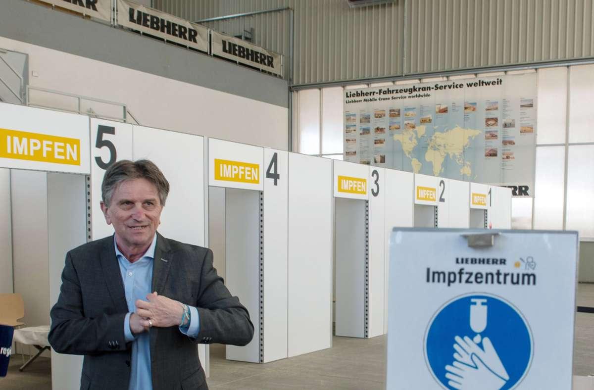 Manfred Lucha hat das weitere Impfvorgehen im Mai erläutert. Foto: dpa/Stefan Puchner