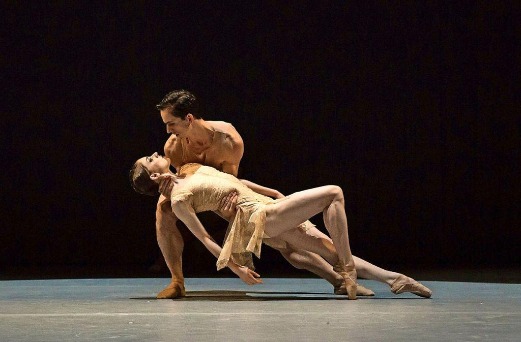"Szene aus Katarzyna Kozielskas neuem Ballett ""Aspects"" mit Adam Zvonař und Alina Nanu Foto: Anna Rasmussen"