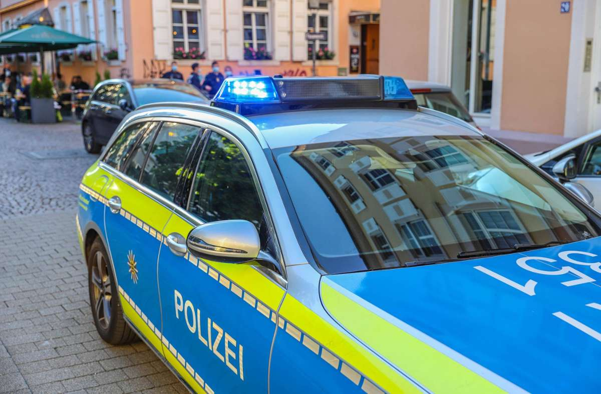 In Neuhausen kam es zu einem Auffahrunfall mit hohem Schaden (Symbolfoto). Foto: imago images/Einsatz-Report24/Fabian Geier