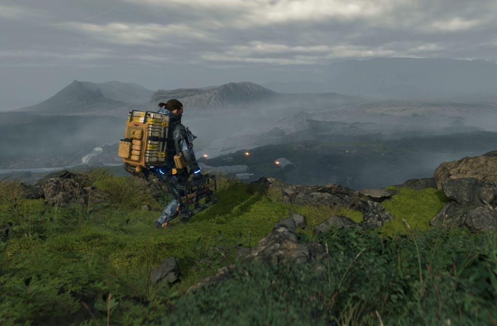 """Sam Porter Bridges (Norman Reedus) ist ein Paketbote, der in """"Death Stranding"""" die verbliebenen Menschen mit unterschiedlichen Waren und Gütern versorgt. Auf seinen Wegen setzt er sich großen Gefahren aus. Foto: Sony Entertainment/Sony"""