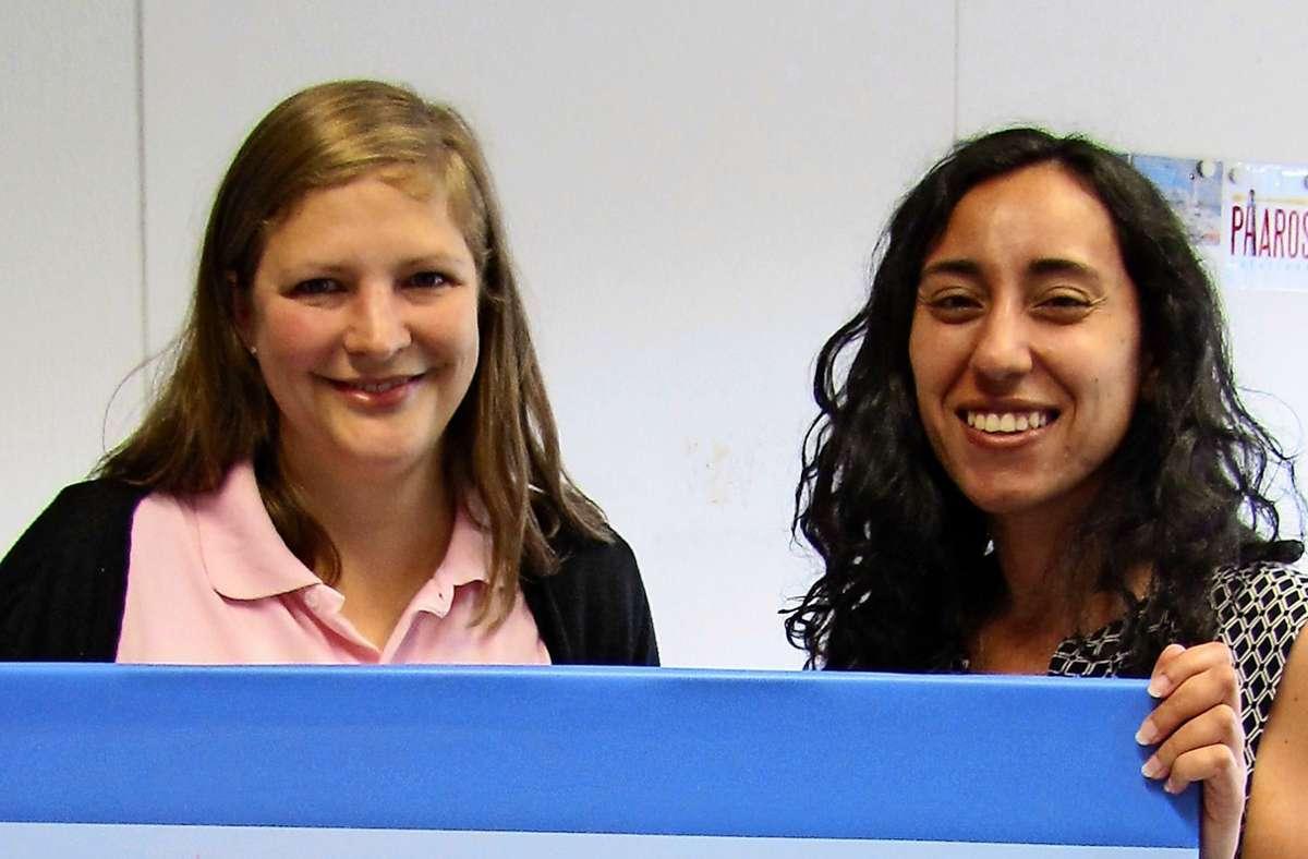 """Kathrin Gaedke (l.) hat die   Agentur für App-Entwicklung """"Pharos Solutions"""" gemeinsam  mit einem ägyptischen Kollegen gegründet und führt sie mit Marie Louise  von Waldenbuch aus. Foto: Claudia Barner"""