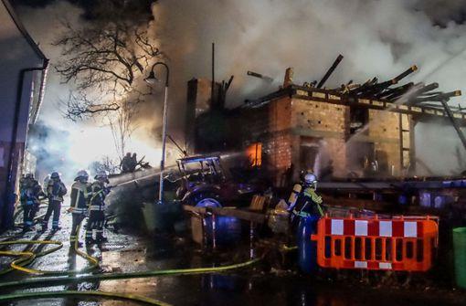 Hoher Schaden nach Scheunenbrand in Gäufelden