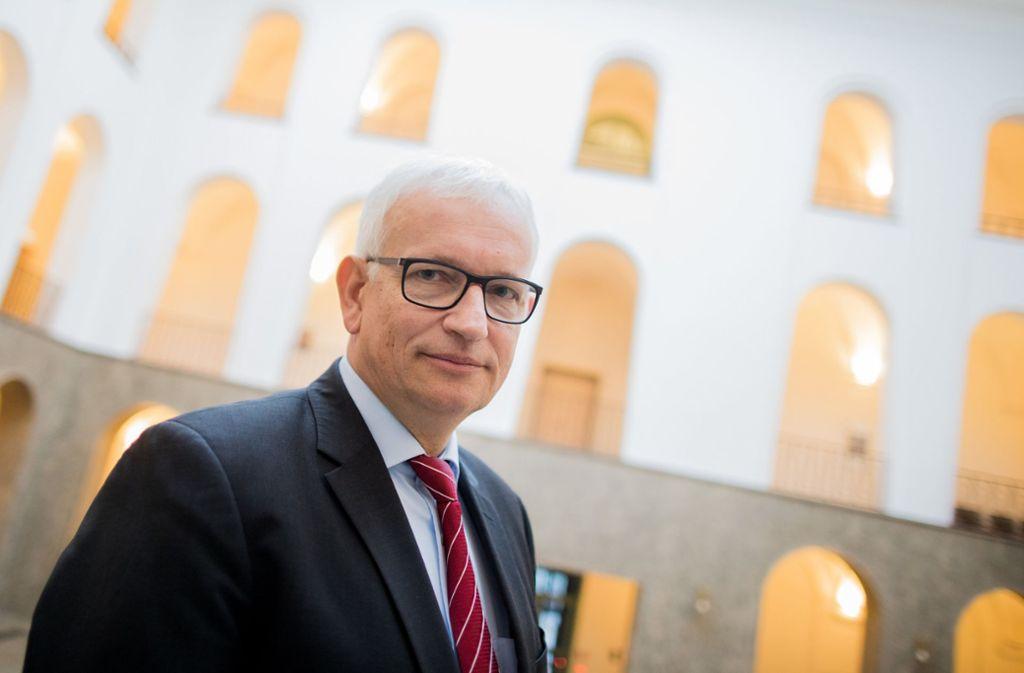 Wenn die Deutschen Umwelthilfe (DUH) ihren Status der Gemeinnützigkeit verlöre, hätte die  Lobbyorganisation um DUH-Chef Jürgen Resch womöglich bald finanzielle Probleme Foto: dpa