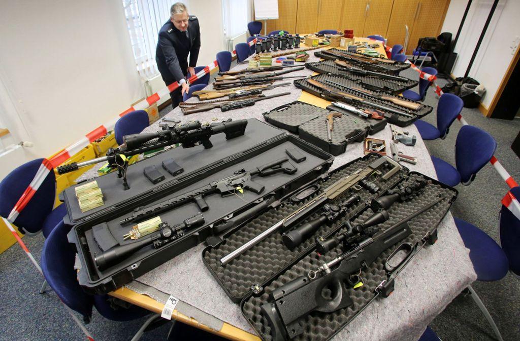 2016 wurden in Wuppertal Waffen von sogenannten Reichsbürgern sichergestellt. Foto: dpa