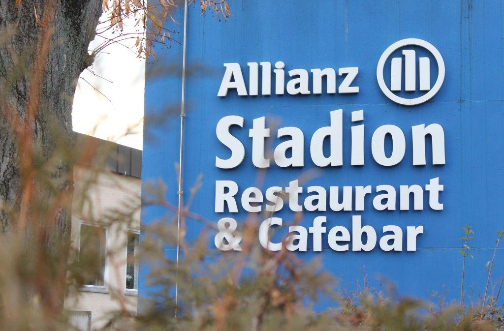 Dort wo derzeit noch ein Sportgelände ist, plant die Allianz einen Neubau. Foto: Rebecca Beiter