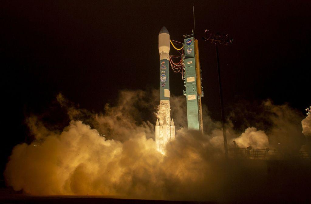 Der Satellit wird von Kalifornien aus ins All geschossen. Foto: NASA