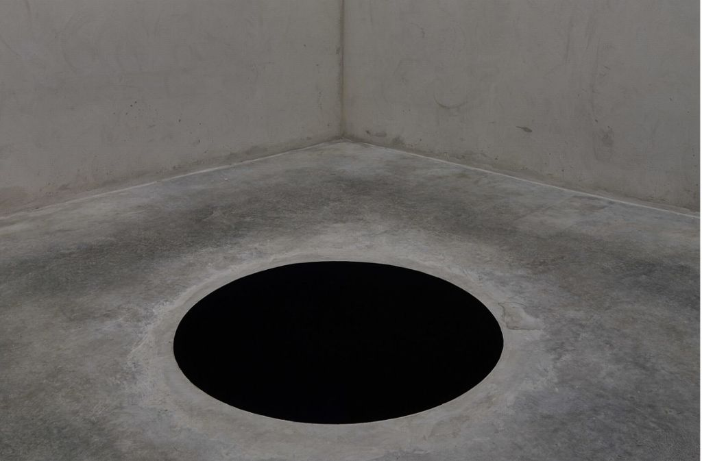 Echt oder aufgemalt? Ein Mann hat den Test gemacht und ist in das 2,5 Meter tiefe Loch gefallen. Foto: Fundacao de Serralves, Porto