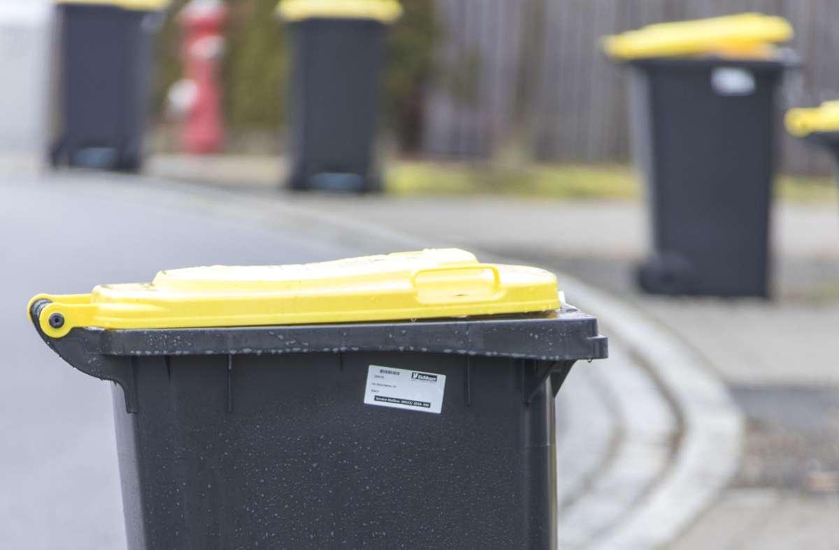 Im Kreis Ludwigsburg brechen neue Zeiten an: Die Gelben Tonnen werden in den kommenden Wochen ausgeliefert. Foto: Rudolf Hein