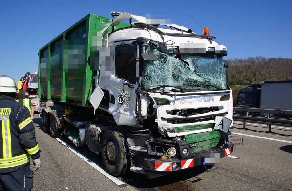 Der Crash hat für massive Beeinträchtigungen im Ferienverkehr gesorgt.  Foto: SDMG